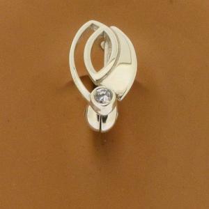 Clip on belly ring outline leaf on model